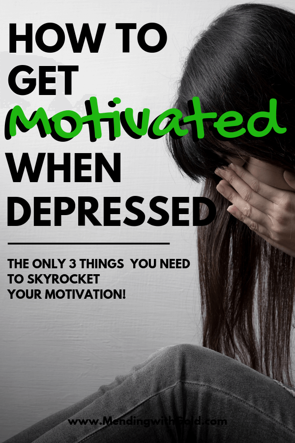 Tips for how to get motivated when depressed in life. Don't want to clean? To organize? To workout? To lose weight? Not happy when you wake up in the morning or when you have to follow those yucky daily routines? Stay motivated with 3 smart ideas & practical steps that improve your motivation and mental health. #momlife #selfcare #adviceformoms #productivity #increaseproductivity #productivityhacks #mentalhealth #motivation #motivationtips