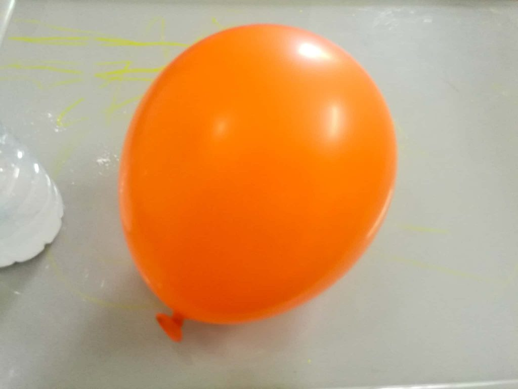 How do you make a self inflating balloon?